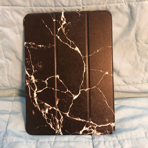 ESR CASE FOR IPAD PRO 11.1 BLACK WHITE SPLATTER